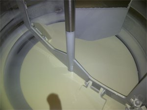 Melting, preparation and dosing of chocolate